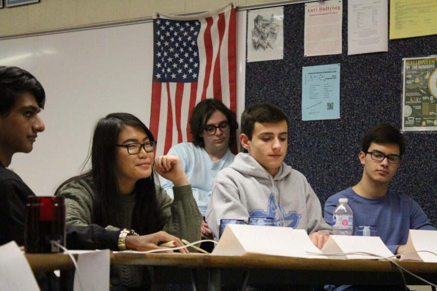 Quizbowl Prepares For Upcoming Tournaments